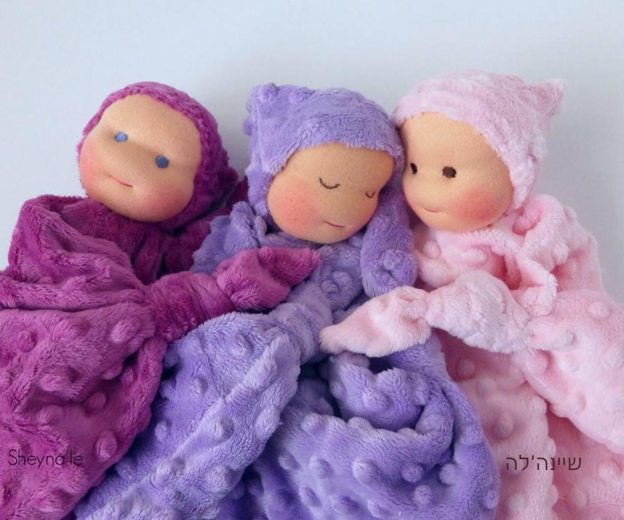 שלוש בובות שמיכי